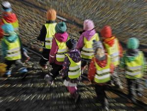 Barngrupperna på många förskolor börjar bli oacceptabelt stora, anser Malin Lernfelt.