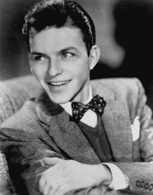 Frank Sinatra (1915-1998). Han skulle ha fyllt 100 år i dag. Bilden är från 1943 när han börjat sin solokarriär.