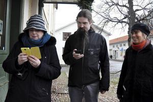 Pia Hilborn, Calle Eklund och Eva Ersbacken är glada över att arbetet med att uppdatera Kulturpromenaden börjar bli klart.