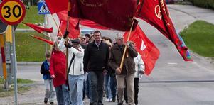 Gemensamt tåg. För första gången genomförde Socialdemokraterna och Vänstern i Surahammar en gemensam demonstration och en gemensam familjedag den 1 maj.