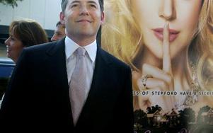 2004 kom en ny version av filmen The Stepford Wives, med Nicole Kidman i huvudrollen. Hennes man spelas av Matthew Broderick (bilden). FOTO: CHRIS PIZELLO/SCANPIX