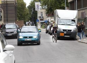 Numer lagligt. Från och med torsdagen är det lagligt att cykla mot trafiken på Kyrkogatan.