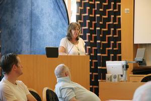 – Vi var tvungna att hitta en lösning, säger Annica Lindberg om kommunens val att hyra in en tillfällig rektor.