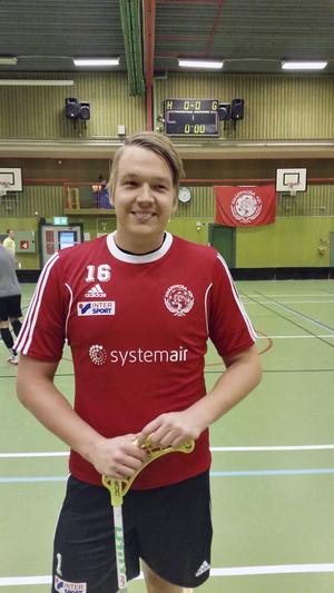 Alexander Ylitalo är Knäppmoras bästa poänggörare med sina fyra poäng på tre matcher.