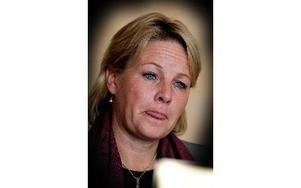 – Vi vet inte vilka som blir uppsagda och hur behoven ser ut, sa arbetsmarknadsminister Hillevi Engström (M) när hon besökte Kvarnsvedens pappersbruk i går.
