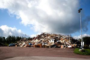 Seab-styrelsen vill utreda en upprustning av Humbobergets återvinningscentral, igen.