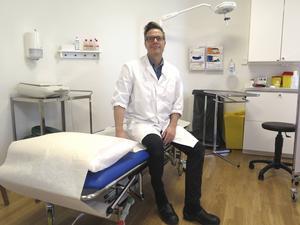 Joacim Öhrn välkomnar patienter med gråstarr till den nya privata mottagning som snart ska öppna i Gävle.