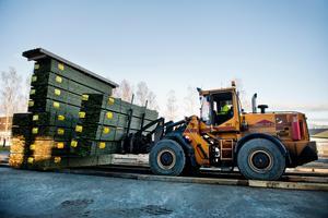 Lastningen och den övriga verksamheten vid Bollstasågen fortsätter som vanligt trots att Pichano Bollsta försatts i konkurs.