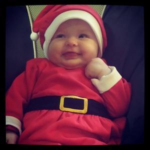 Bella på sin första julbordsknytis