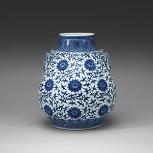 En 1700-talsskål som kom hit med Ostindiska kompaniet. 12 000 kronor är utropspriset på Bukowskis.