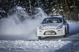 Patrik Sandell är hemma under vinterhalvåret och passar på att köra RallyX on Ice. Till helgen väntar tävling på hemmaplan i Åre.