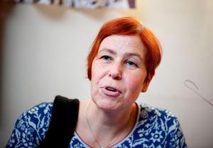 Anna Östlund vid SSAB berättar att de flesta tjänstemännen får sluta med pension.