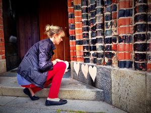 Anna Björkman, Västerås älskar mångfald, satte upp de första hjärtana.