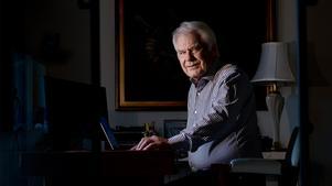 Tänker fortsätta jobba. Bengt Ljung har fyllt 73 år men har inga planer på att trappa ner. I stället tänker han bryta guld i Västerbotten.