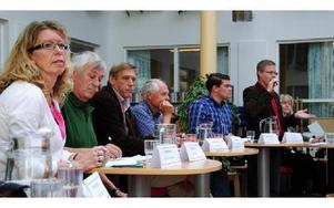Kommunpolitikerna besökte Komvux för att debattera arbete och integration, men många debattinlägg gick snarare att kategorisera som valtal.FOTO: KLARA ERIKSSON