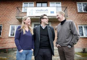 Carina Blanck, Jörgen Eriksson och Ole Kristansson på Vindkraftcentrum.se i Hammerdal ska se till att lokala företag drar nytta av vindkraftsutbyggnaden.Foto: Denny Calvo