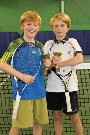 Joel Selander och Erik Novén vann dubbelklassen för pojkar 12.