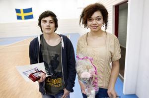 Felix Konstenius och Denise Larsson kom på första respektive tredje plats i novelltävlingen Prata om alkohol.