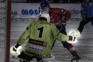 Henrik Rehnvalls handskar fick en notis i matchrapporten när Broberg mötte Bollnäs fredag 30 januari.