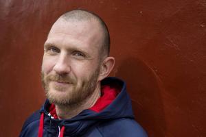 Andreas Bergwall, mästarmålvakt som är uppvuxen i Lesjöfors och fostrad i ortens bandyklubb.