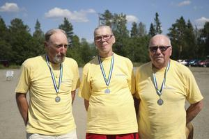 Lag Hovarna blev tvåa. Fr v: Kurt Olsson, Ingegerd Rehn och Lennart Borgebo.