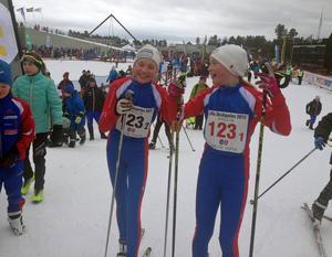 Irja Brandfjell och Emma Lindberg, Funäsdalens IF, tog hem segern i Lilla Skidspelens parstafett.