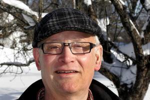 – När Stig Eng låter partipiskan vina bland de sina och allierade då får han en majoritet med sig.– Men jag har många Nordanstigsbor med mig, reflekterar Ove Wallberg.