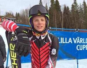 Kevin Lundqvist åkte väldigt bra under helgen. Ett guld, ett silver och en försmädlig vurpa blev resultatet.