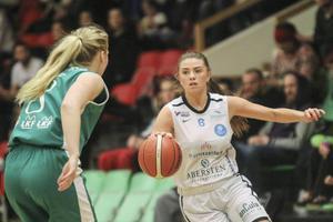 Stina Dahlin, får chansen i D18-landslaget, där säsongens slutmål är EM-slutspelet i Sarajevo, den största staden i Bosnien/Hercegovina, 21-31 juli.   Foto: Hans Andersson