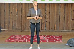 Många hade samlats på hembygdsgården i Färila för att lyssna till Carolina Klüft som berättade om karriärens upp- och nergångar.