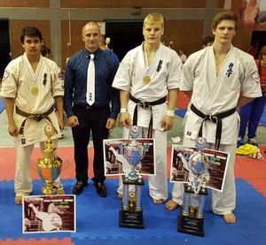 Lipo Lodin, Jonas Rosin och Daniel Karlsson tillsammans med Judd Reid
