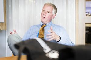 Kommunchefen Claes Rydberg menar att Lasse Norin är den bästa kandidaten för jobbet som samhällsutvecklingsförvaltningen.