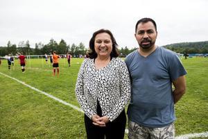 El Salvadors ambassadör Anita Escher Echeverria var på plats tillsammans med en av arrangörerna, Hector Lopez Ortega från Örnsköldsviks solidariska internationella kulturförening.