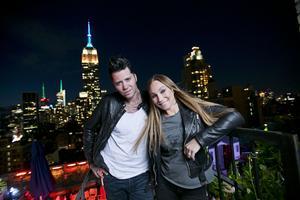 Charlotte Perrelli och Brolle laddar upp i New York inför sin turné i Sverige i sommar.