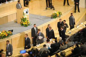RÄTT, OCH FEL. EU och väst tågade ut från FN-konferensen i Geneve när Irans president Mahmoud Ahmadinejad anklagade Israel för rasism.