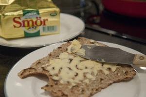 Nu kan man få smör på mackan när man äter i någon av landstingets serveringar.