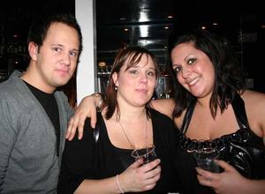 Blue Moon Bar. Peter, Jenny och Malin
