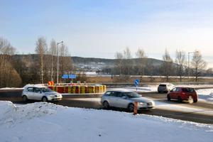Rondellen vid norra infarten till Leksand kan bli permanent. Det hoppas både kommunen och räddningstjänsten.