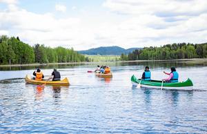 Den 20 juni kan Norbergsungdomar följa med och paddla kanot i Kloten. Arkivfoto: Madelene Jonsson