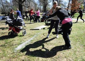 Mama boot camp på Stora Holmen lockade många nyblivna mammor att dra på sig träningskläderna och återfinna styrka och stabilitet efter förlossningen.