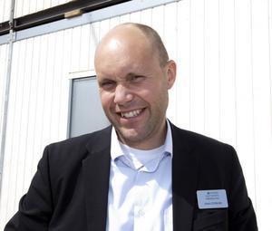 – Vi har sålt lägenheter som sjutton i år och försäljningen av villor fullkomligt exploderade i maj, säger Jonas Östblom som är fastighetsmäklare på Svensk Fastighetsförmedling i Gävle.