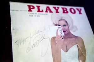 En äkta Elvisautograf pryder omslaget på en Playboy.