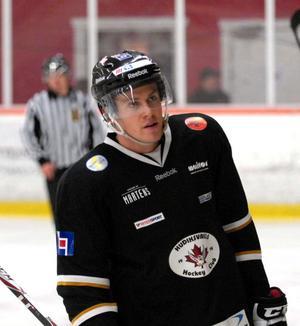 Förre leksingen Markus Persson gjorde fyra (2+2) poäng för sitt Hudiksvall mot Hedemora. Den 21-årige Björbograbben toppar poängligan i Allettan mellan efter sex omgångar.