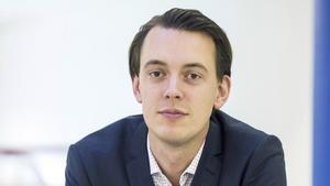 Jesper Brandberg (L) är kritisk till att kommunen ger så mycket pengar till flygplatsen.