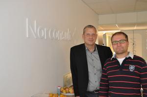 Anders Eidensten och Frans Göransson firar fem år i Ludvika med att leta efter fler kollegor
