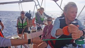 Bara tjejer får vara med. Linda Lindenau ska segla runt jorden med bara kvinnliga besättningsmän.
