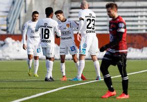 Syrianska firar efter att Soufiane Reclaoui gjort 1-0 i derbyt mot Södertälje FK.