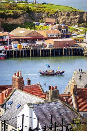 Charmiga staden Whitby vid Yorkshires östkust är ett populärt utflyktsmål med sin stora marina och fina utsiktspunkter.   Foto: Reine Hefvelin