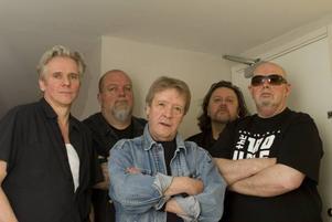 Trouble Boys. Är Tommy Cassemar, Ingemar Dunker, Billy Bremner, Micke Finell och Sean Tyla. Foto: Leif Fjellström