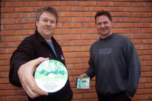 Åke Henriksson och Mats Elfqvist ser fram emot skivsläppet på söndag. – Nu har vi gjort det vi tycker är roligt, så får vi se vad folk tycker, säger grabbarna som hoppas att de 1000 pressade skivorna går åt.